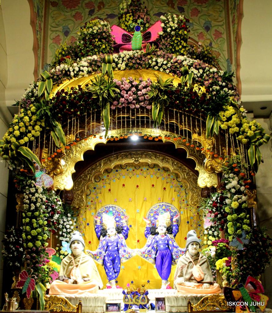 ISKCON Juhu Mangal Deity Darshan on 17th Jan 2017 (32)