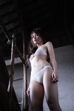 Shiratiri Yuriko 白鳥百合子