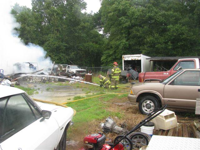 Friendfield Rd. Auto Repair Shop Fire 017.jpg