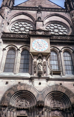 1986.08.11-061.08 l'horloge extérieure