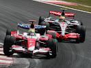 Ralf Schumacher, Toyota TF107 & Lewis Hamilton, McLaren MP4-22