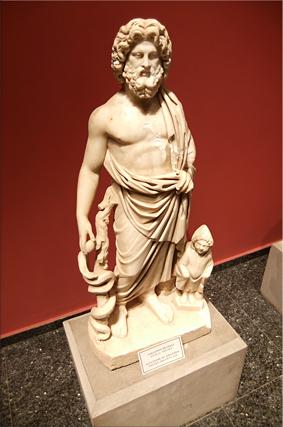 Escultura de Asklepios - siglo II d.C.