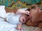 Бабулька, ну дай очечками поиграться :) 8 месяцев и 4 дня