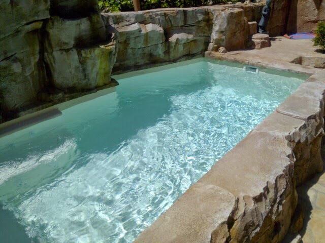 Alba piscinas com noviembre 2015 for Cascadas prefabricadas