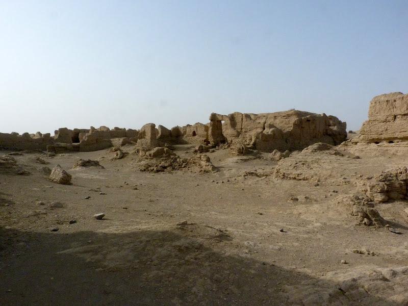 XINJIANG.  Turpan. Ancient city of Jiaohe, Flaming Mountains, Karez, Bezelik Thousand Budda caves - P1270775.JPG