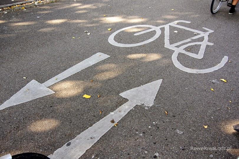 Niech Was nie zwiedzie szerokość piktogramu. Ta droga ma szerokość ok 7 metrów!