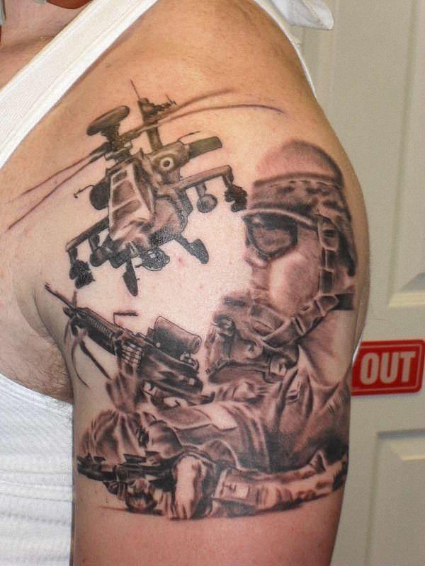 fuzileiros_navais_modernos_guerreiro_tatuagem_com_um_helicptero_apache