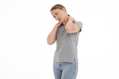 Sakit leher yang disebabkan oleh penggunaan ponsel