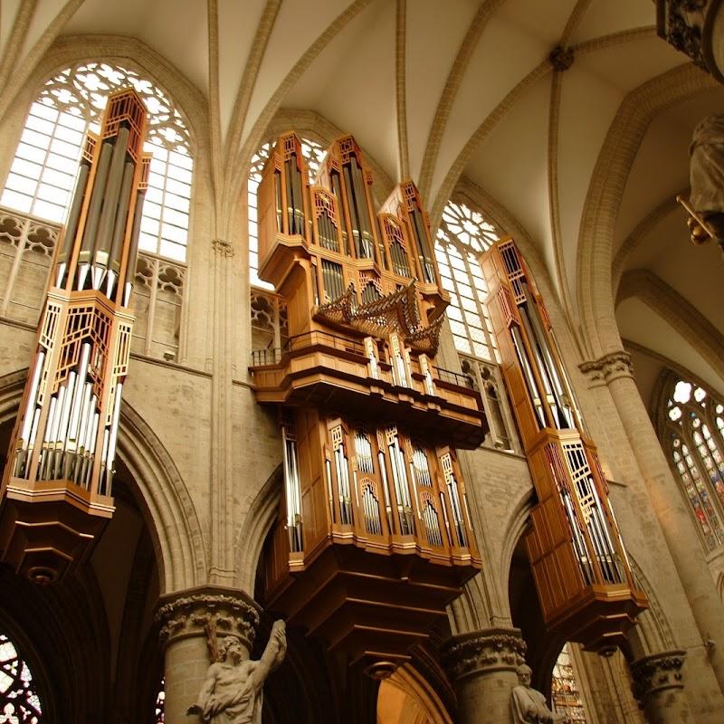 Brussels_183 Cathedral Organ.jpg