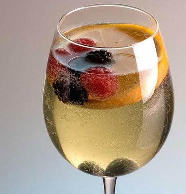 Sparkling White Sangria Recipe