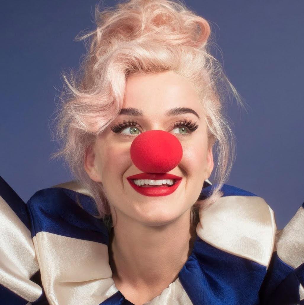 El nuevo sencillio de Katy Perry 'RISE' se convierte en #1 en 24 paises. Dejando a 'Make Me' de Britney en 2do lugar. (LINK) Photo