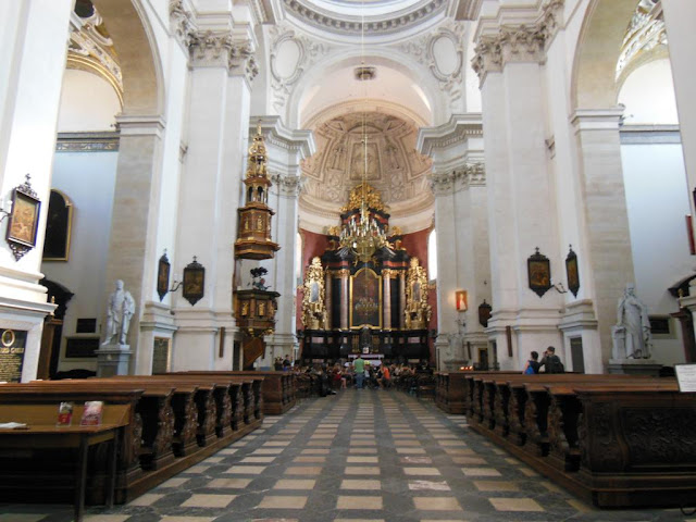 Interior de la iglesia de San Pedro y San Pablo
