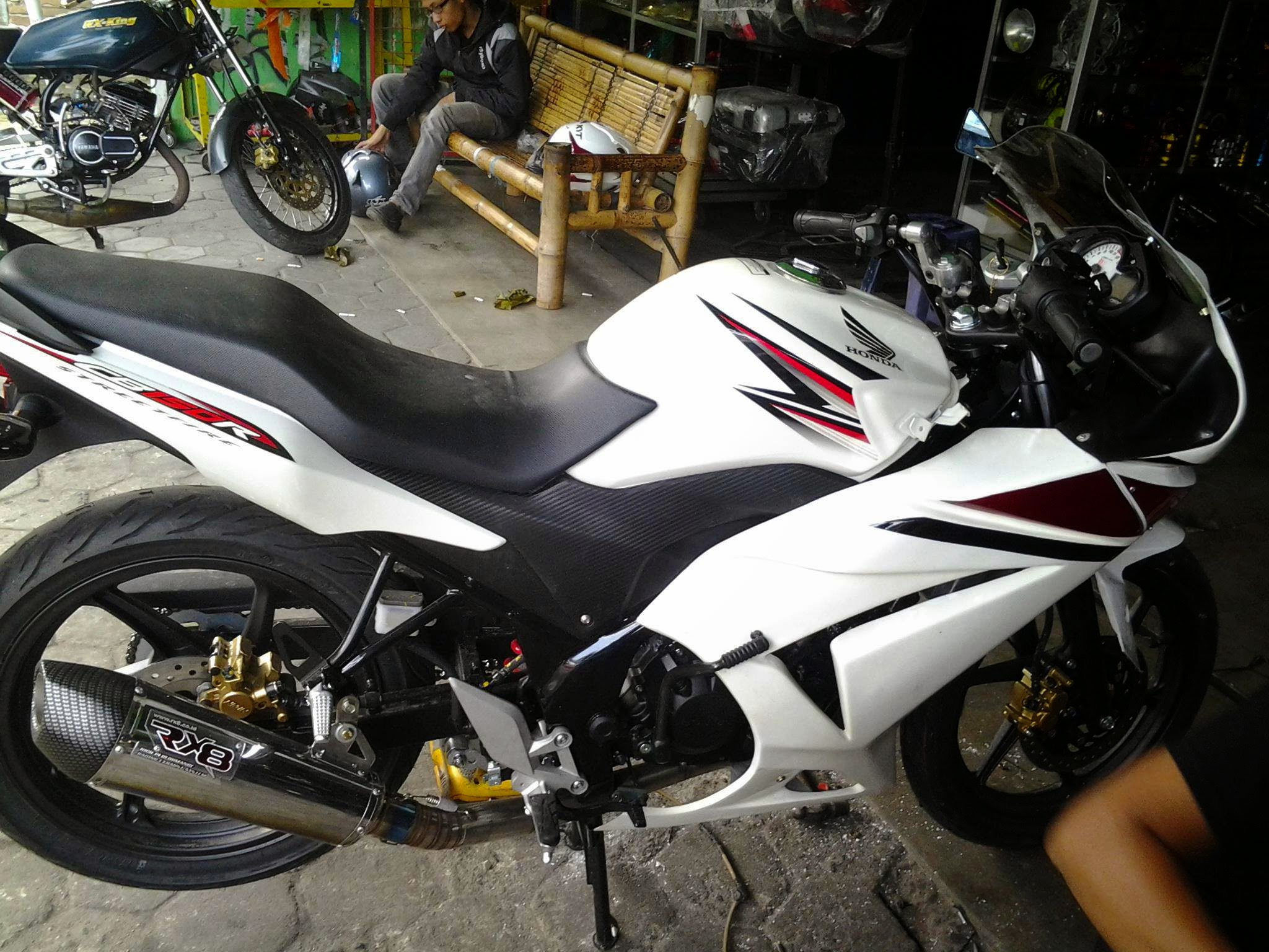 Verza Modifikasi Full Fairing