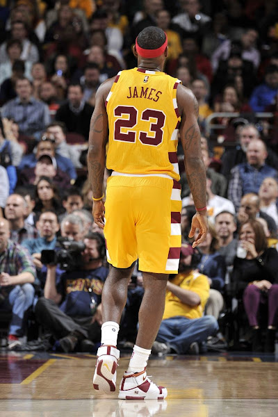 LeBron Time Travels Into 2005 With Cavs LeBron 2 HWC PEs