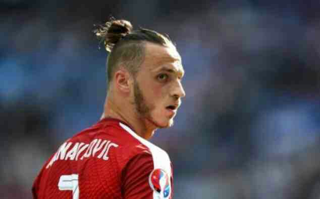 West Ham announce club-record signing of Marko Arnautovic from Stoke