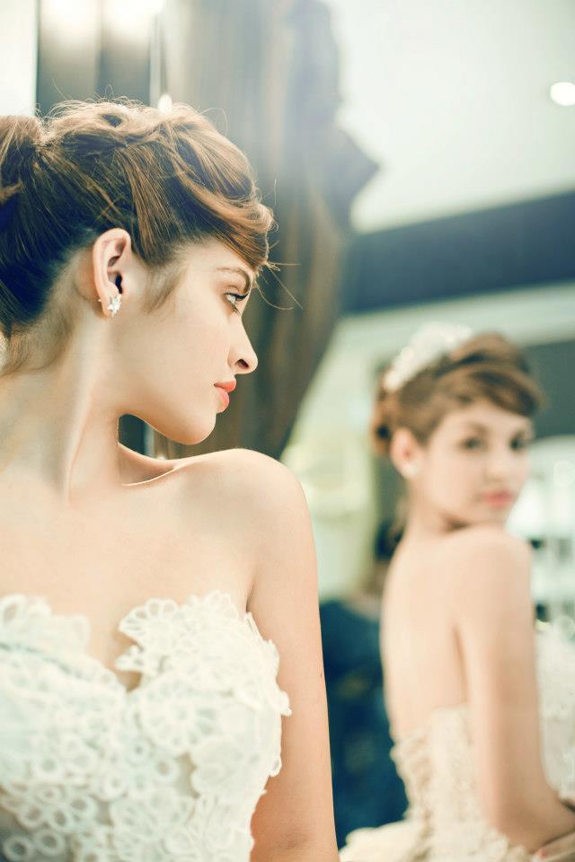 Mẫu Tây Andrea Aybar kiêu sa trong váy cưới trắng - Ảnh 3