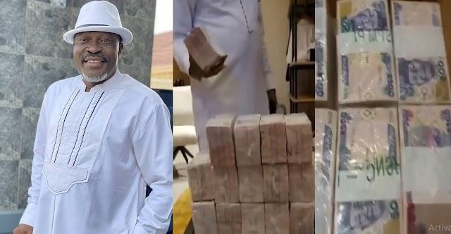Actor Kanayo O. Kanayo Shows Off The Huge Bundles Of Money He Is Going To Spray At Obi Cubana's Mum's Burial [VIDEO]
