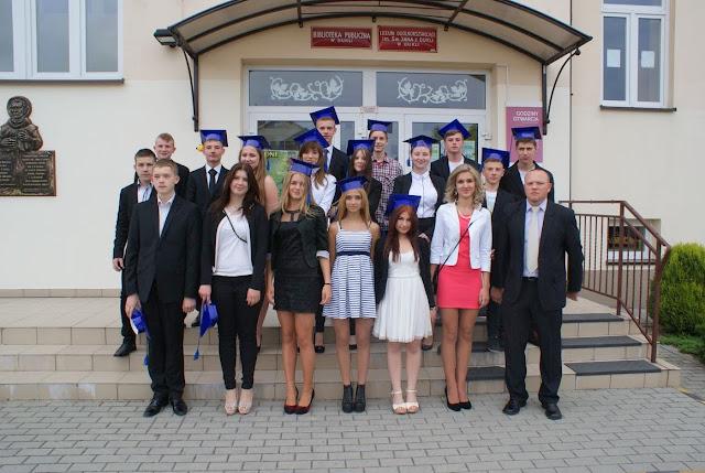 Pożegnanie klas 3 gimnazjum - DSC03188_1.JPG