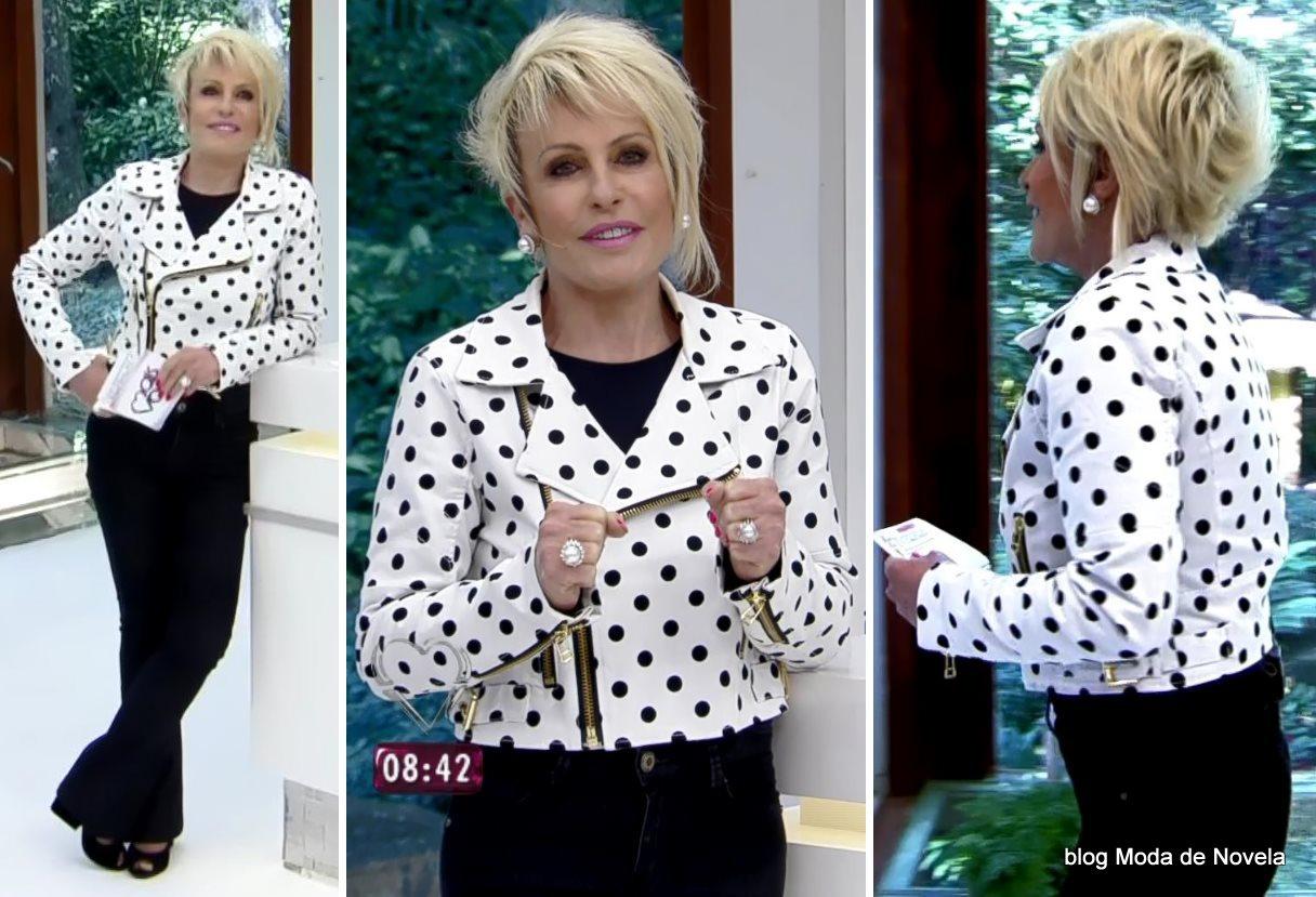 moda do programa Mais Você - look da Ana Maria Braga de jaqueta branca com bolinhas pretas dia 21 de julho