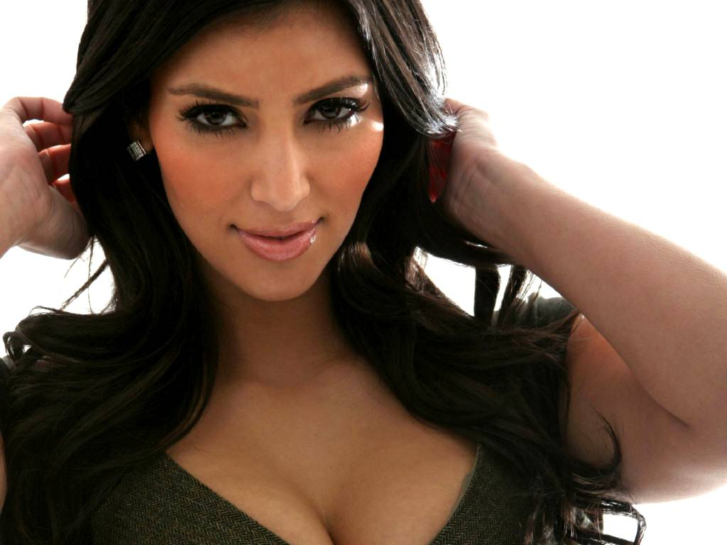 Kim Kardashian wallpaper 1