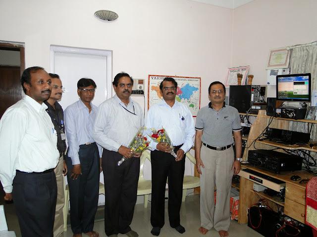 Demonstration of Amateur Radio Satellite communication to Mr Annadurai and Mr Raghavamurthy - DSC01519.JPG