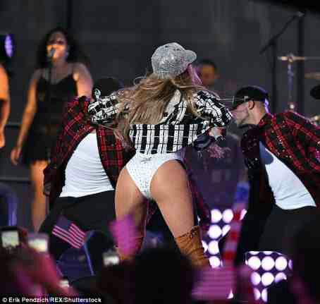 Jennifer Lopez in Big Booty action on stage