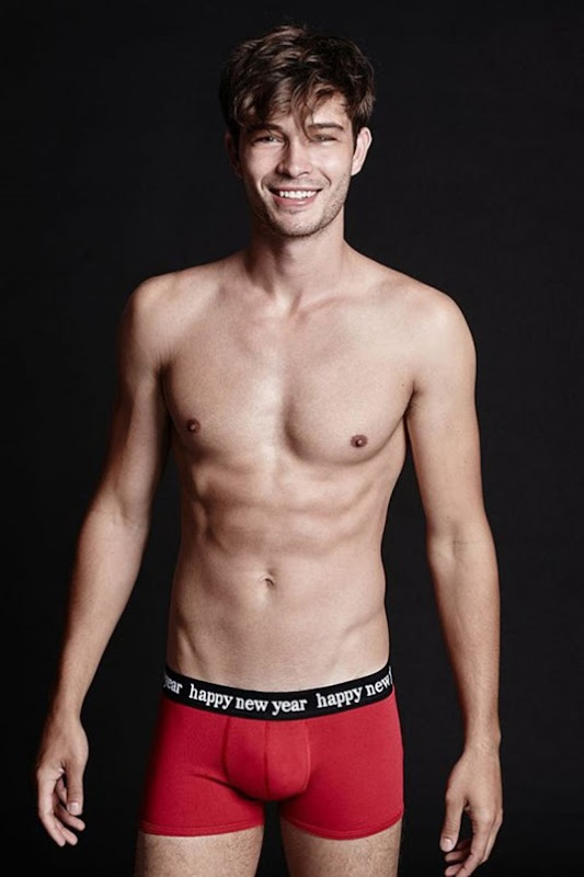 Francisco-Lachowski-for-Tezenis-Holiday-151215-0001-512x769