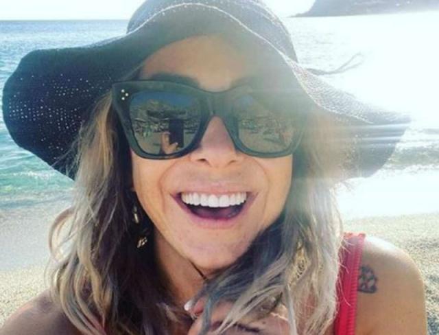 """Με """"καυτό"""" σορτσάκι η Μελίνα Ασλανίδου – Έχει γίνει σαν άλλος άνθρωπος μετά τις διακοπές"""