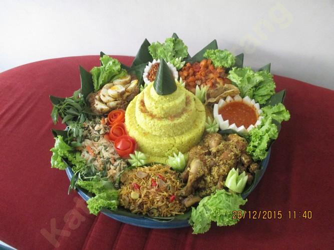 Nasi Tumpeng Batuceper