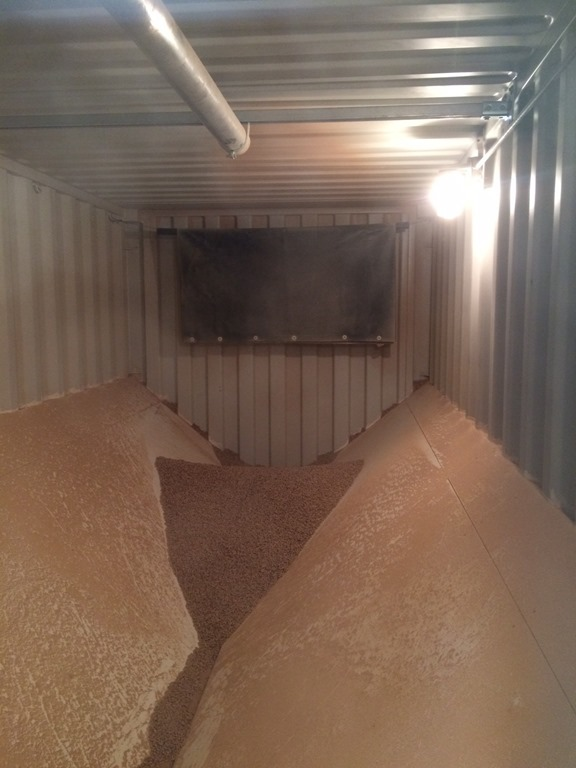 [Photo+of+inside+of+pellet+container%5B3%5D]