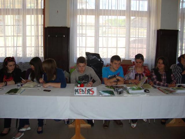 Workshop Parteneriat pt. un mediu curat - proiect educational  - 22-23 mai 2011 - 250116_212561128767202_100000399491659_690791_1974477_n.jpg