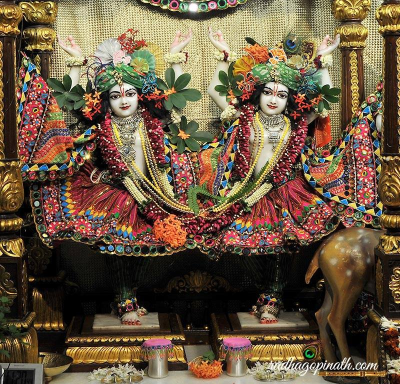 ISKCON Chowpatty Deity Darshan 31 August  2016 (9)