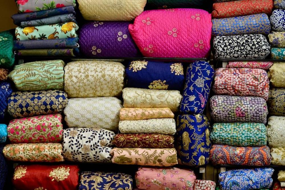 wedding-shopping-in-delhi-nehru-place_image