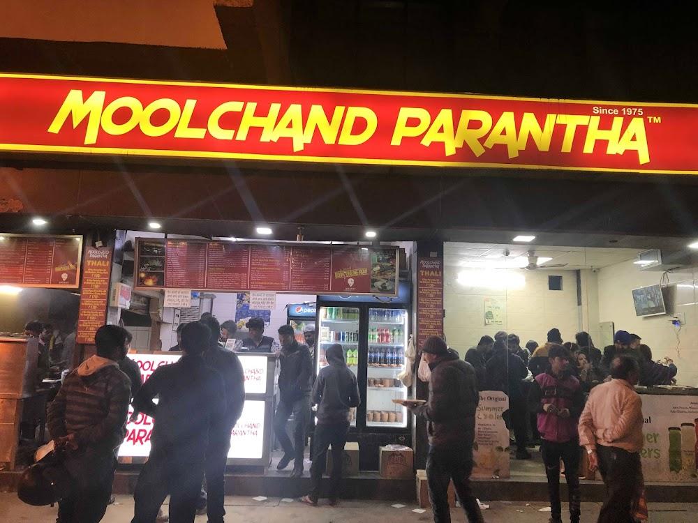 top-things-to-do-in-delhi_chur_chur_naan_moolchand_1