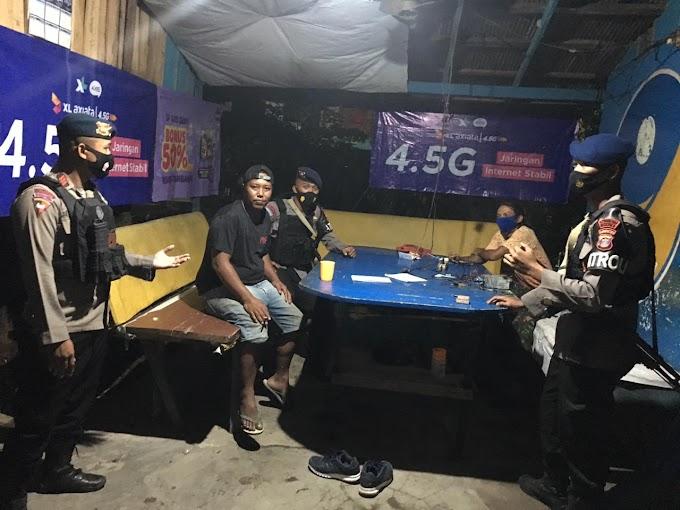 Minimalisir Kriminalitas di Bulan Ramadhan, Brimob Kaltim Sambangi Warga di Malam Hari