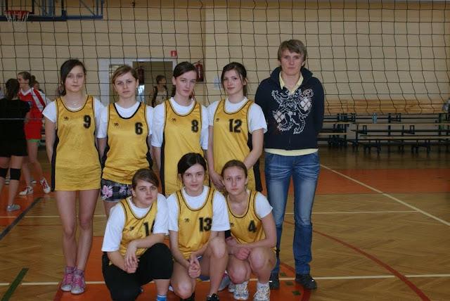 Zawody siatkarskie dziewczat 1 marca 2011 - DSC09364_1.JPG