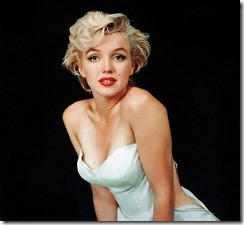 Marilyn serious decollete
