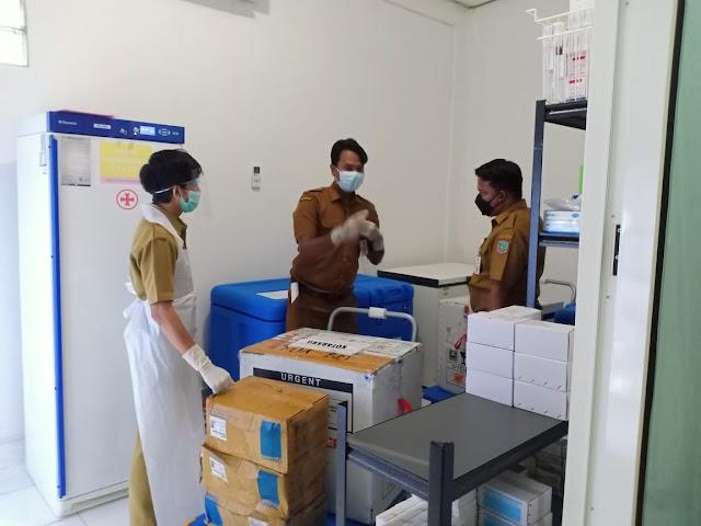 Dikawal Ketat, 3.080 Vaksin Covid-19 Sinovac Tiba di Kotabaru