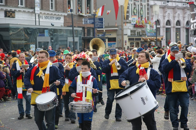 2012-02-19 tm 21 Carnaval in Oeteldonk - DSC04126.JPG