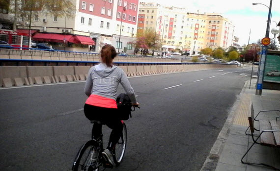 Casi 110.000 desplazamientos diarios en bicicleta en Madrid en 2014 (con datos oficiales). Foto concurso #FotoMadridCiclista en twitter