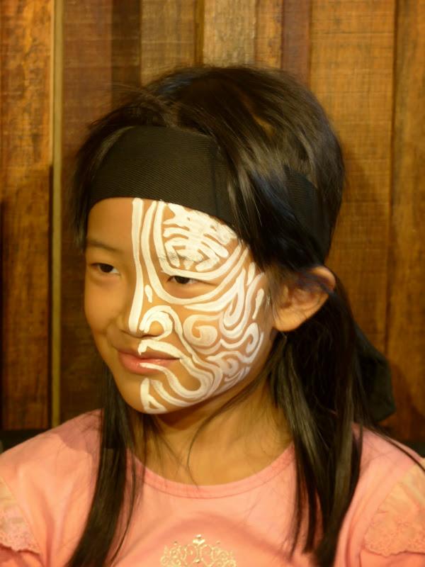Taipei. Maquillage au Thinker s theater à Di Rua jie 迪化街 - maquillage1%2B041.JPG