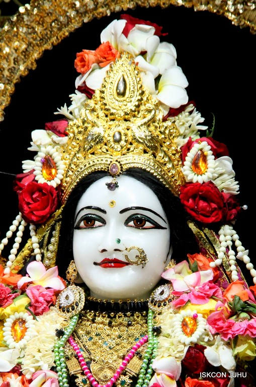 ISKCON Juhu Sringar Deity Darshan 09 April 2016 (25)