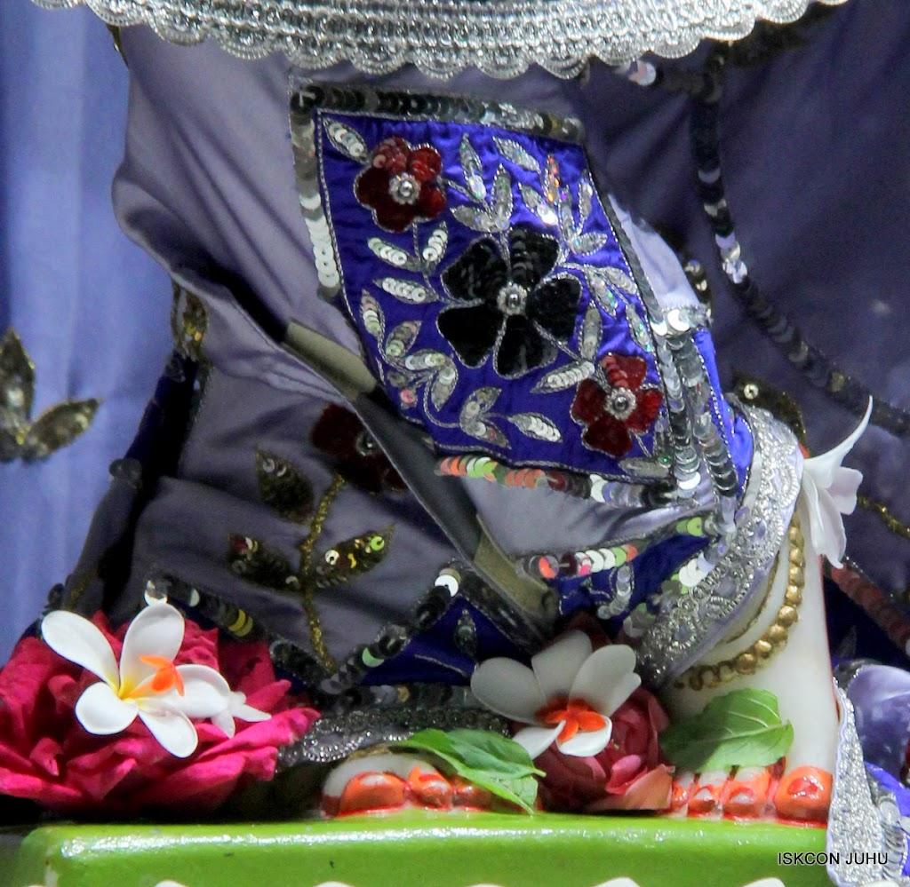 ISKCON Juhu Mangal Deity Darshan on 11th Aug 2016 (23)