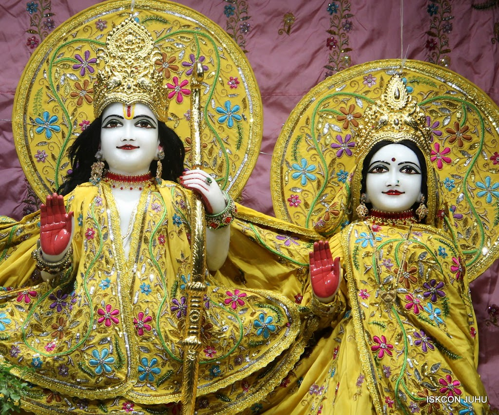 ISKCON Juhu Mangal Deity Darshan on 30th May 2016 (6)
