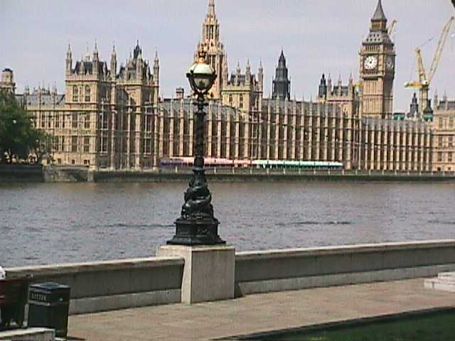 0490The Houses of Parliament