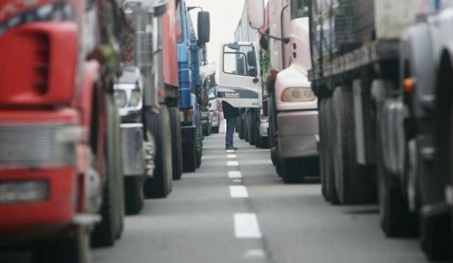 """Manifestación de camioneros en Los Ángeles: """"Es una actitud irresponsable"""""""