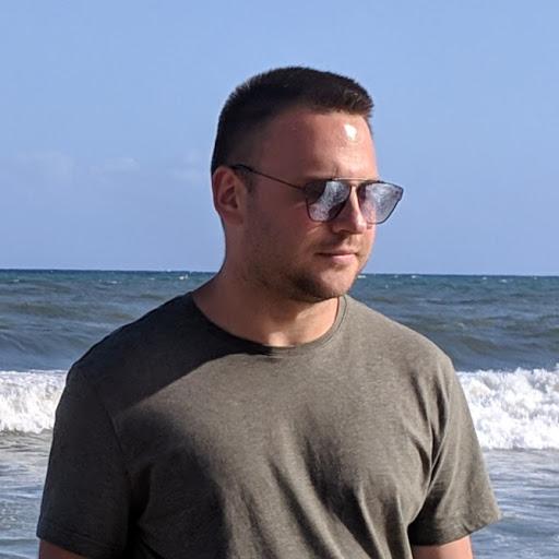 Максим Лебединец