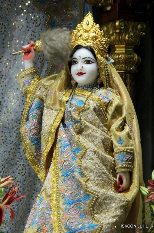 ISKCON Juhu Mangal Deity Darshan on 24 April 2016 (10)