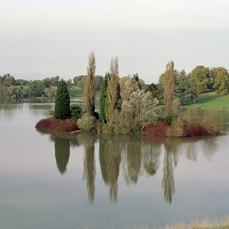 Blenheim_03 Lake.jpg