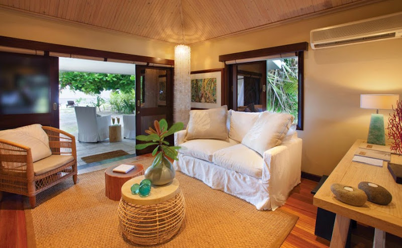 Desroches Island Resort - piclarge382beach%2Bsuite%2Blounge_1.jpg